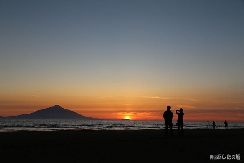 利尻島と夕日・夕焼け・星空