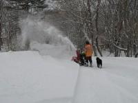 除雪した後を歩くのがラクチン