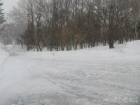 ツルツルに凍った地面