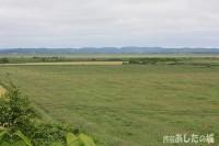 宿から見る牧草地