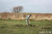 堆肥を均す
