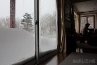 窓の外と窓の内
