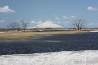 残雪と春水と利尻