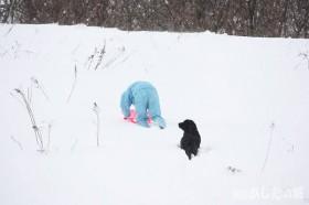 橇を持ってお散歩