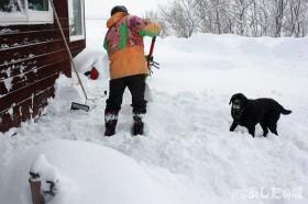 除雪機を掘り起こす