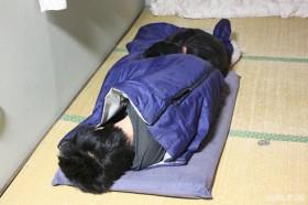散歩の後はお昼寝