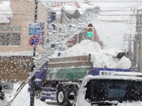 排雪のトラック