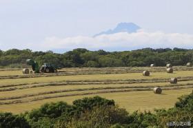 牧草ロールを作る