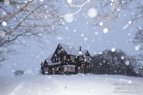 雪降る夕べ