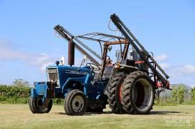 農薬をまく機械